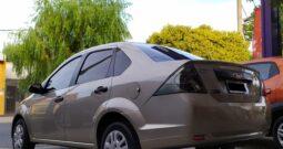 Ford Fiesta Max Ambiente Plus 2010